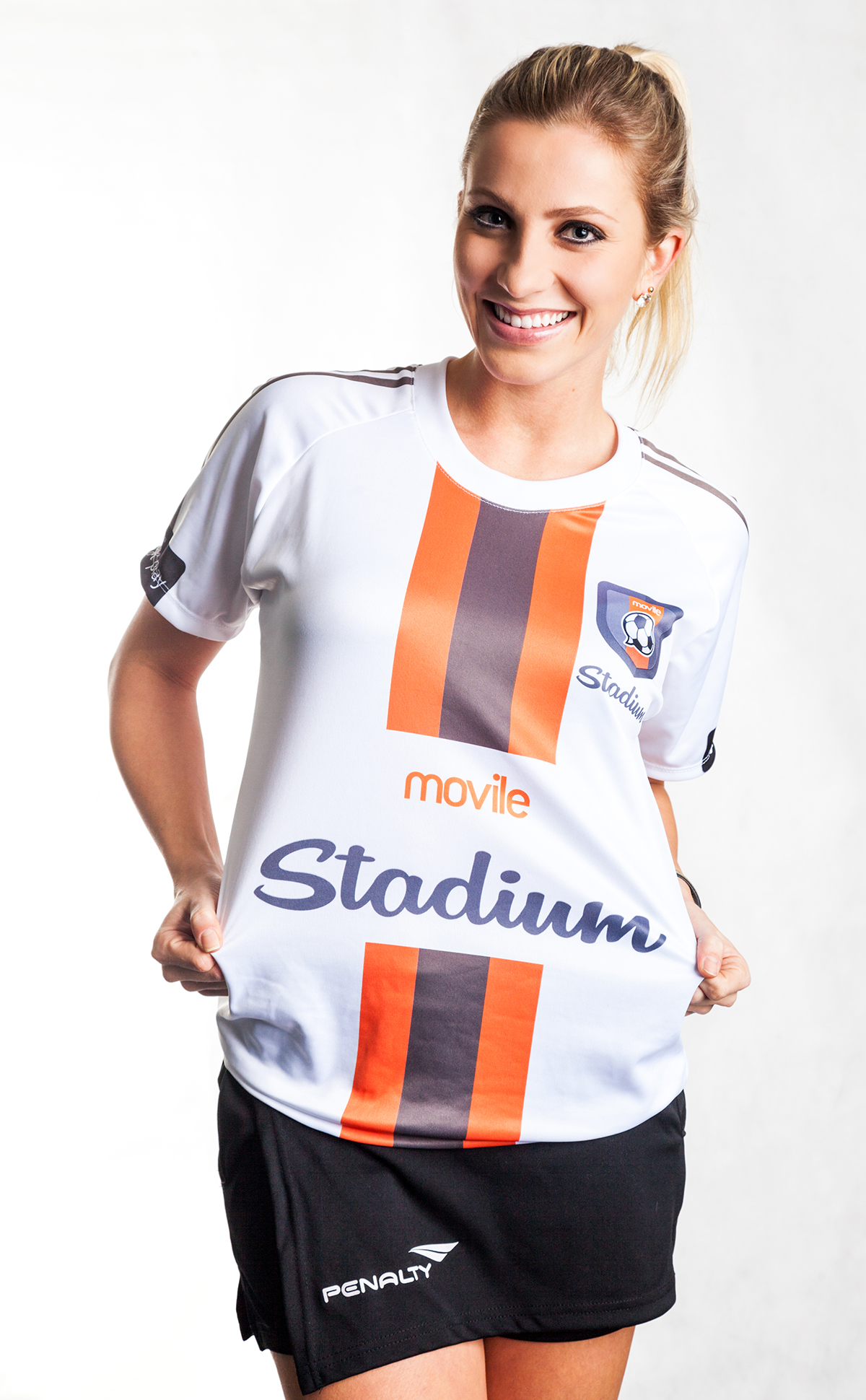 Cliente Movile - Fernanda Colombo - Árbitra de Futebol
